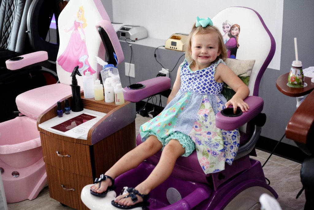 Super Mommy Me Pedicures In Wichita Gmtry Best Dining Table And Chair Ideas Images Gmtryco