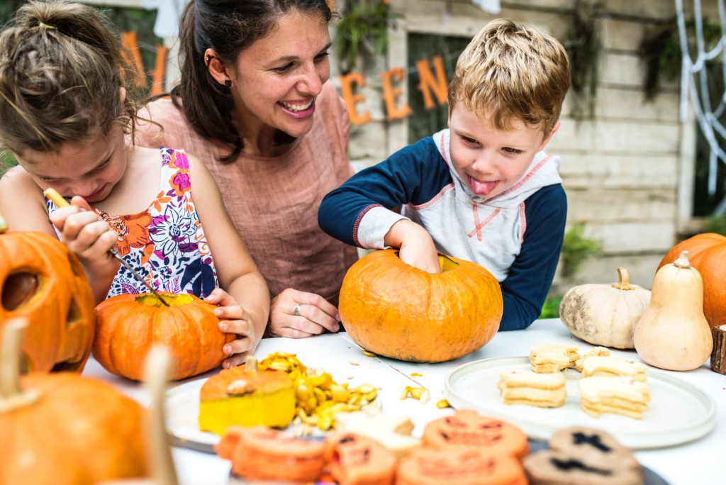 Fun, Old-Fashioned Family Fall Traditions