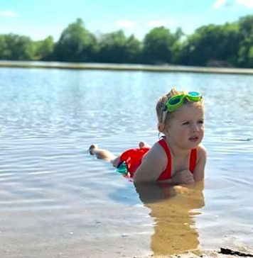 kids lake beach